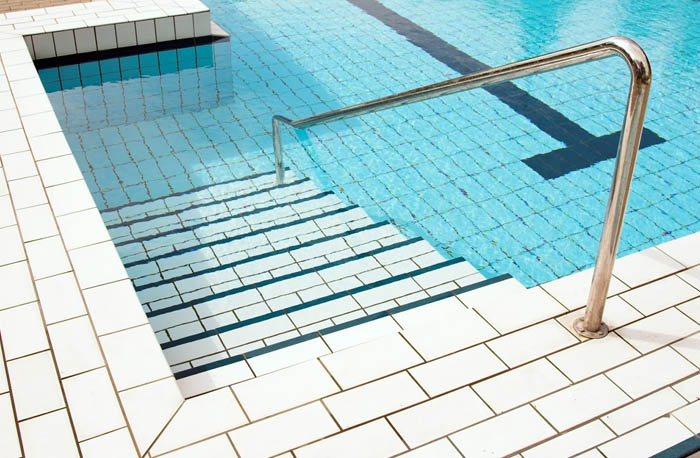 Swimming-Pool-Tiling
