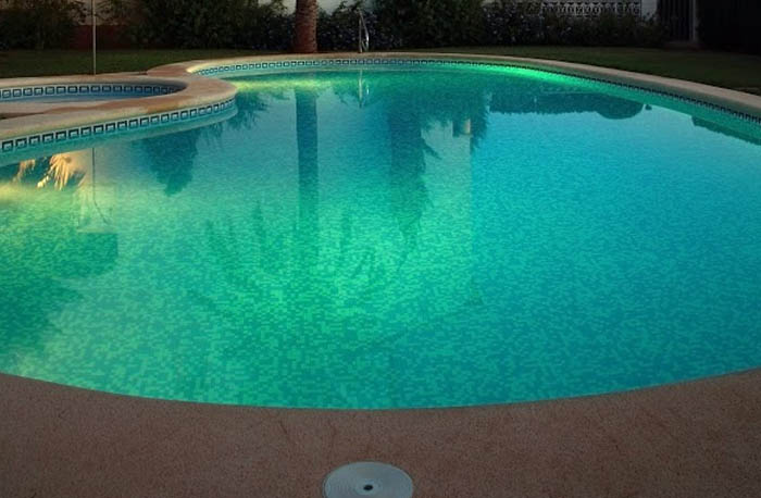 Swimming-Pool-Tiling-dark